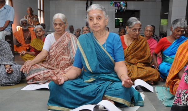 saranagathi home old age-women-yoga